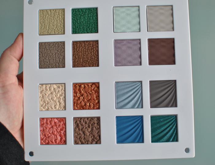 Paletten är uppdelad i 4 delar för färger i jordens, luftens, vatten och eldens tecken