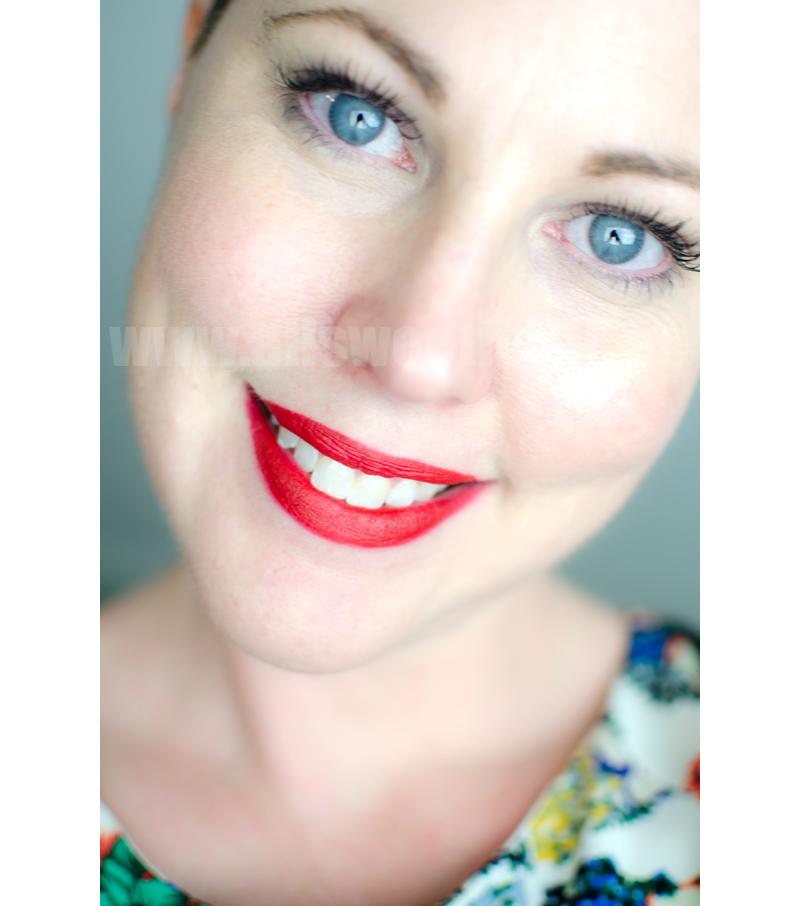 Clinique long lasting matt lipstick in crimson