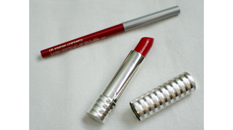 clinique long lasting matt lipstick in crimson and quickliner in cranberry close up